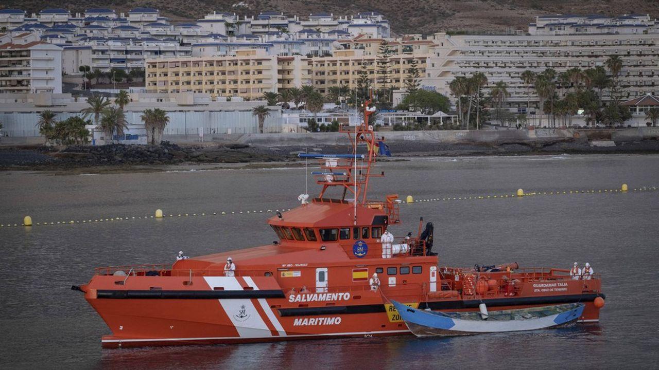 L'Espagne fait face à une nouvelle crise migratoire. De jeunes Algériens désespérés traversent clandestinement la Méditerranée pour l'Espagne au péril de leur vie.