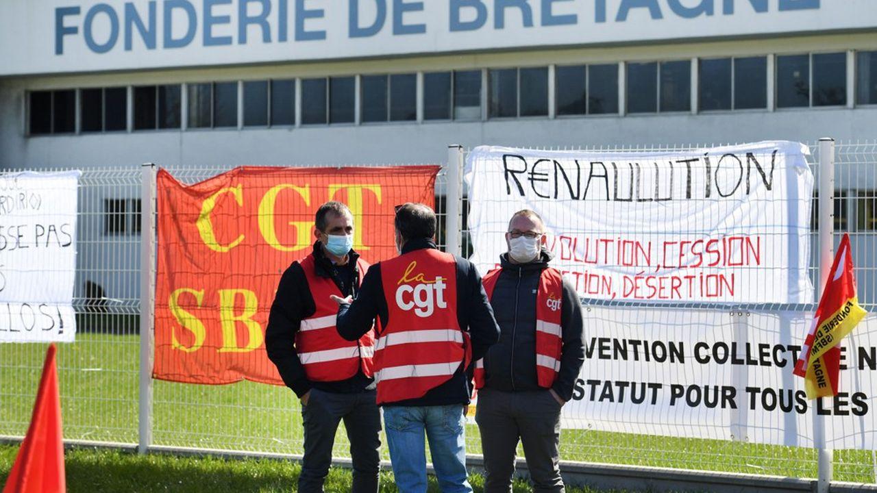 Depuis près de trois semaines, les grévistes de la Fonderie de Bretagne bloquent l'ensemble des activités de l'entreprise située à Caudan, près de Lorient.