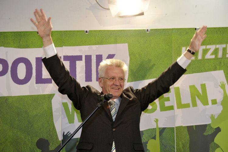 Winfried Kretschmann devient le premier ministre-président vert d'Allemagne.