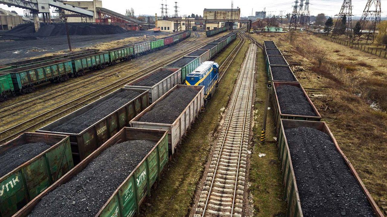 En Ukraine, le trafic de fret est beaucoup plus important que celui de passagers, concurrencé par la voiture.