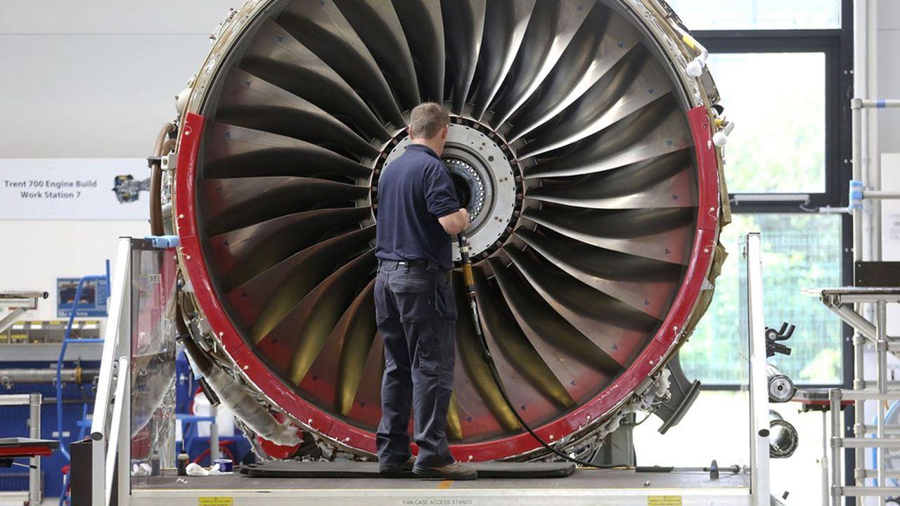 A son arrivée aux commandes du groupe, début 2020, David Calhoun avait aussitôt annoncé la mise en sourdine de ce projet milieu de gamme, pour laisser les esprits de la maison se consacrer entièrement à la grave crise du 737 MAX.
