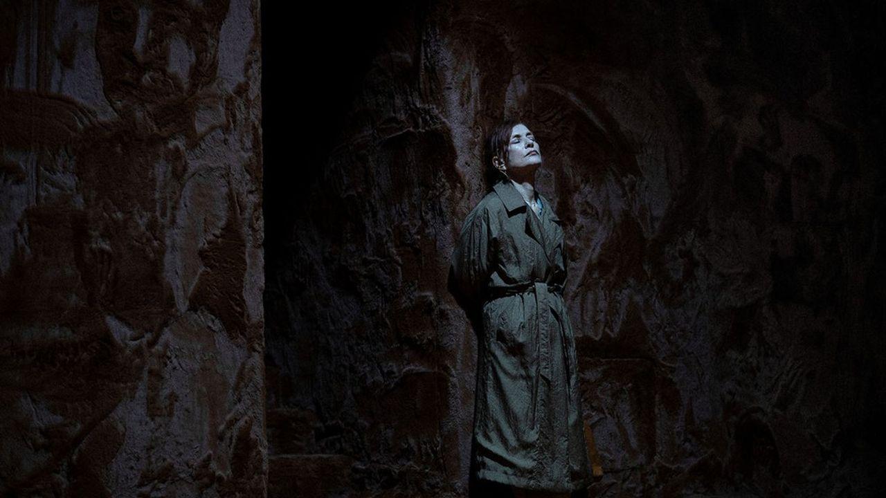Isabelle Huppert incarne Amanda Wingfield, la mère possessive, dans «La Ménagerie de verre» mise en scène par Ivo van Hove à l'Odéon.