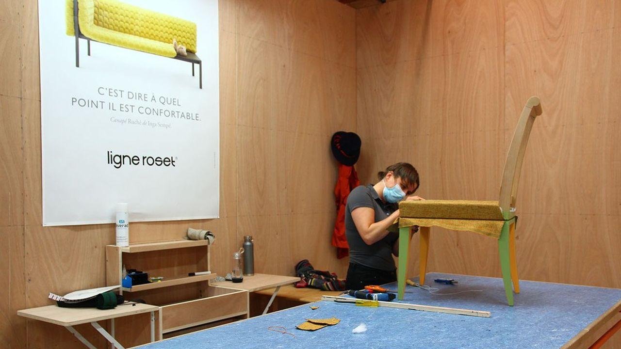 Ligne Roset emploie aujourd'hui 830 salariés dans le monde, dont 650 en France, où il a cinq ateliers.