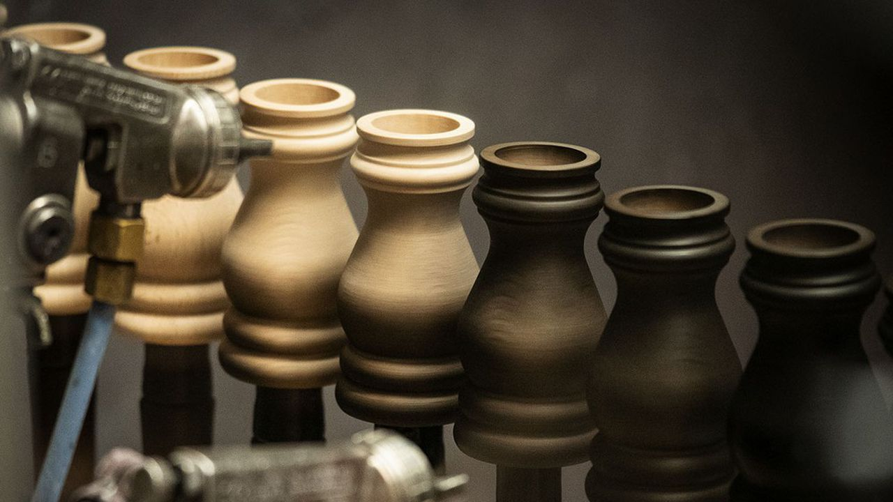 15.000 à 20.000 pièces en bois sont tournées chaque mois dans l'atelier Peugeot Saveurs.
