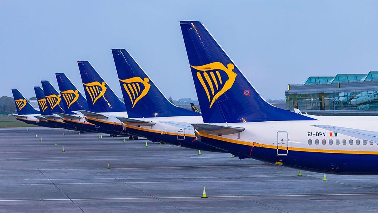 Ryanair a supprimé quelque 3.000 postes, soit 15% de ses effectifs, pour réduire ses coûts fixes au début de la pandémie.