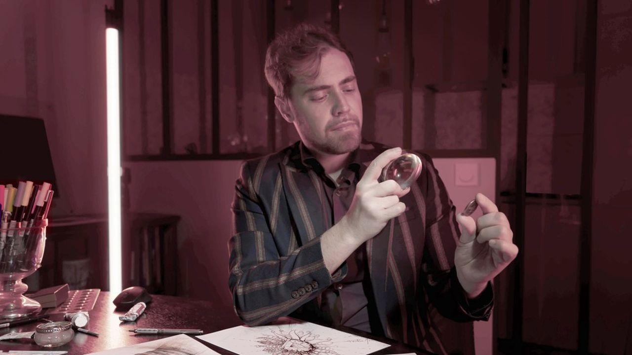 Frédéric Mané, chef d'entreprise et créateur de bijoux de luxe, dans son Atelier & design studio Paris.