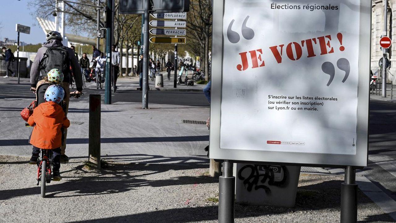Le premier tour des élections régionales a lieu dans cinq semaines et est marqué par une nationalisation marquée de la campagne.