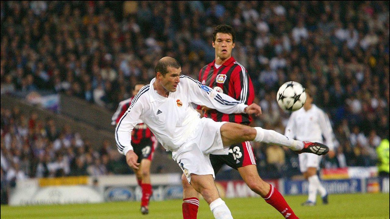 Ambidextrie: Zinédine Zidane et son célèbre but du pied gauche en finale de la Ligue des Champions en 2002.