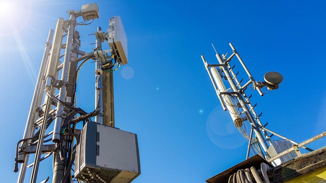 Les opérateurs n'hésitent plus à céder leurs antennes télécoms pour profiter des très hauts niveaux de valorisation par les marchés.