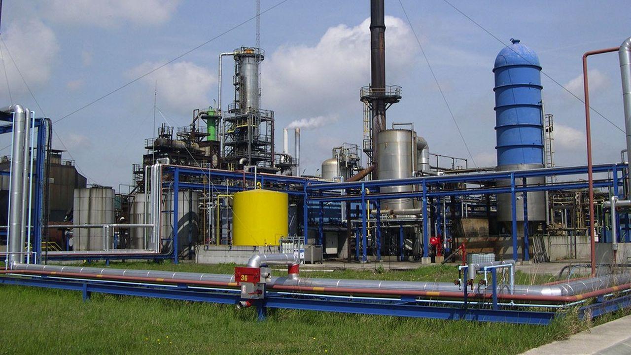 200.000 tonnes d'huile moteur usagée sont collectées en France tous les ans. Aurea la régénère pour en refaire de l'huile moteur vierge dans sa filiale Eco Huile de Seine-Maritime.
