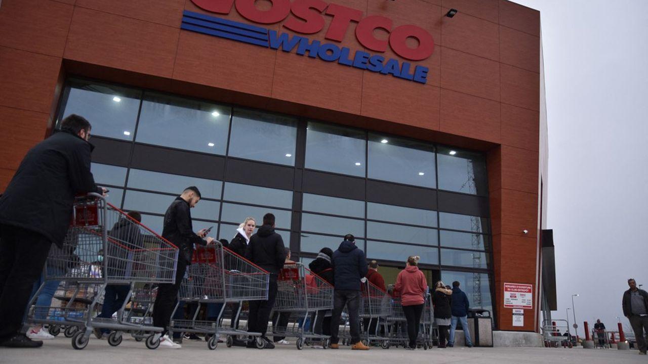 Le premier magasin de Costco en France, à Villebon-sur-Yvette en région parisienne, compte 160.000 membres et a réalisé 140millions d'euros de chiffre d'affaires annuel.