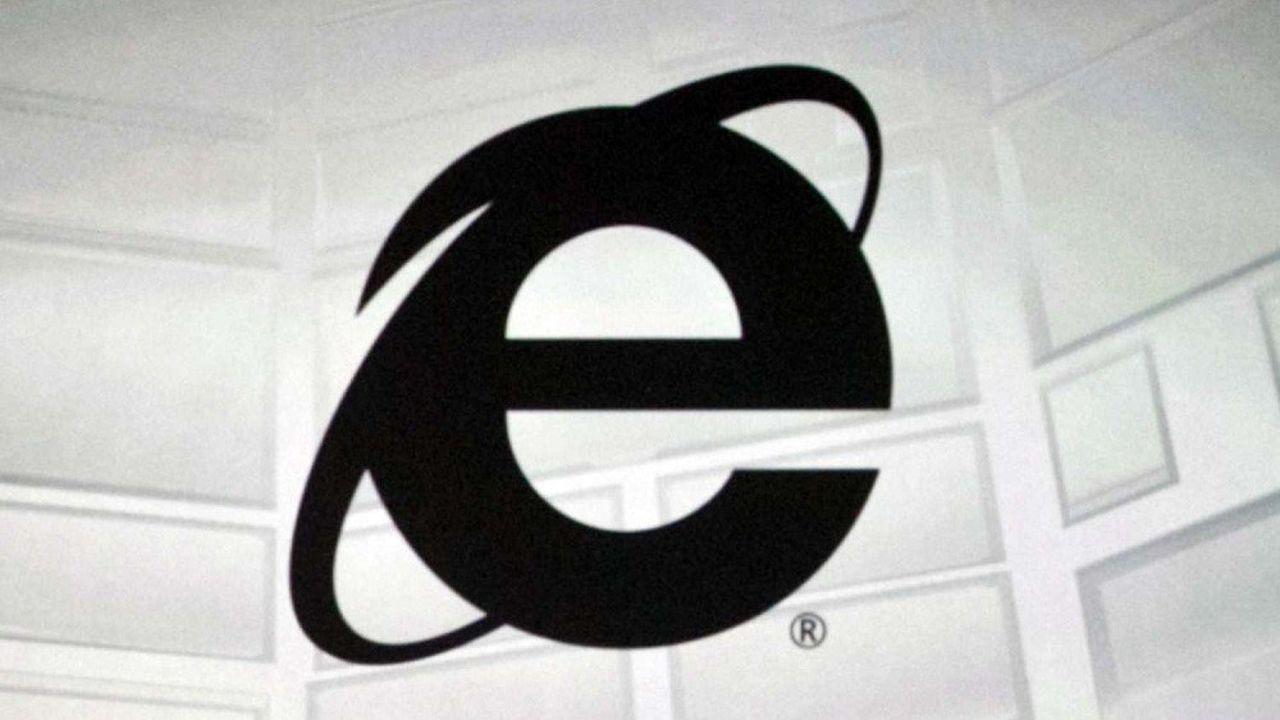 Créé en 1995, Internet Explorer a connu son apogée dans les années 2000, où il a détenu plus de 90% des parts du marché des navigateurs.