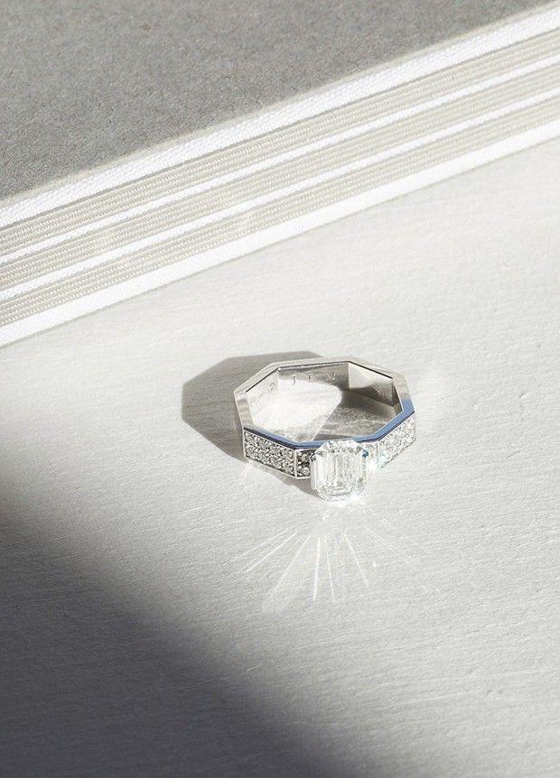 Bague de fiançailles collection Octogone de JEM, en or blanc éthique certifié Fairmind et diamants de synthèse.