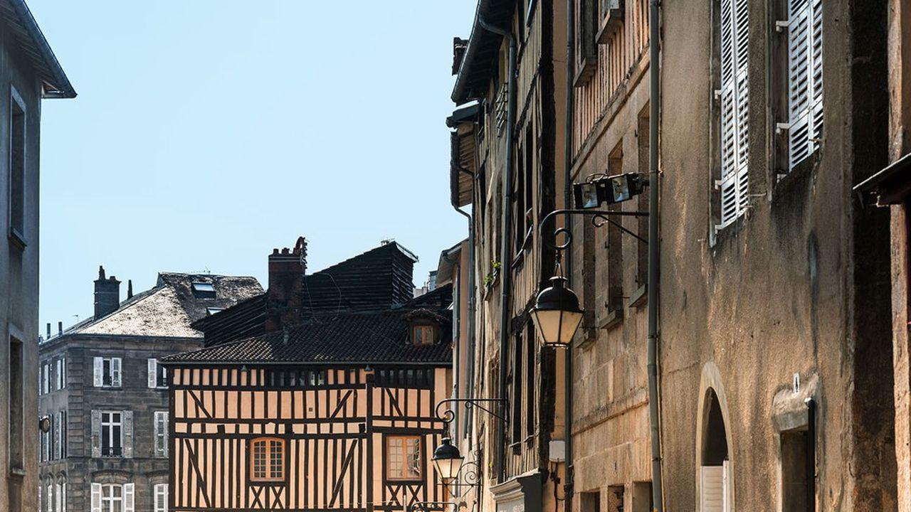 En tête du palmarès, Limoges présente un profil immobilier intéressant pour un investisseur disposant d'un faible apport personnel.