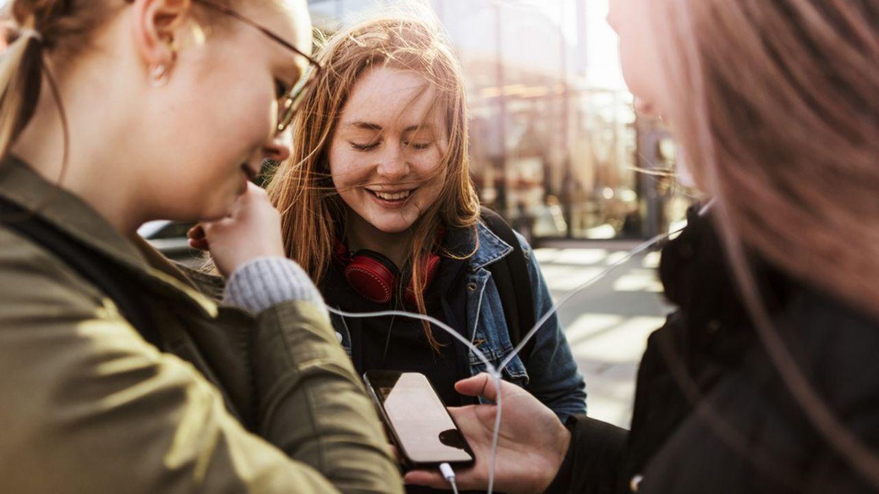 Le pass culture permet d'acheter des livres, de la musique en ligne ou encore d'aller à des concerts.