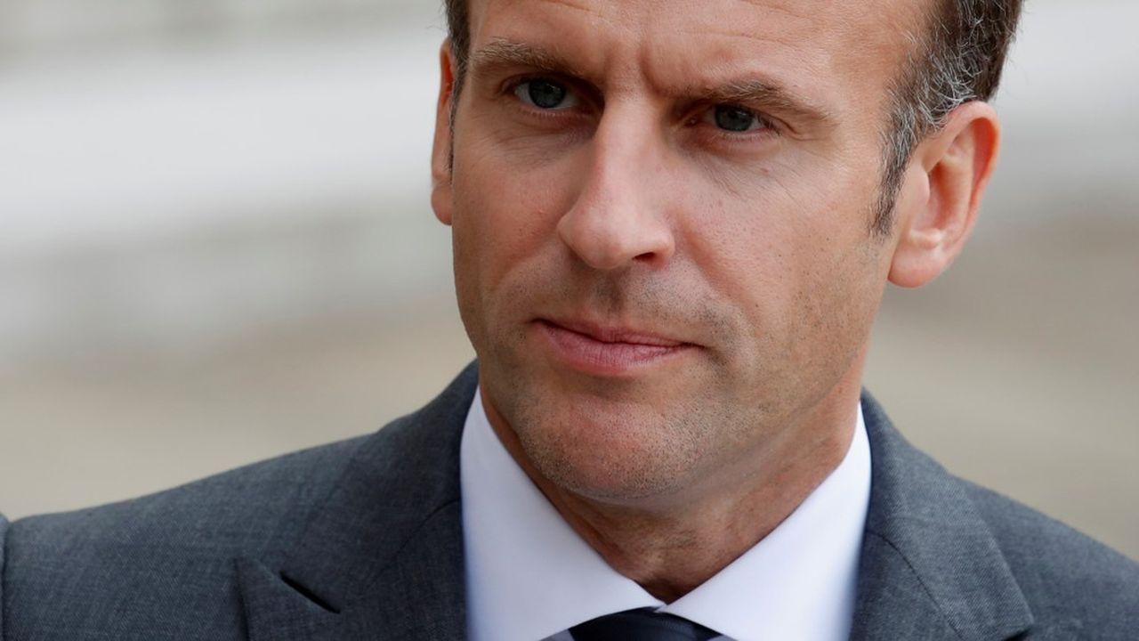 Emmanuel Macron veut réussir la sortie des crises, avec d'éventuelles nouvelles mesures en faveur de l'emploi.
