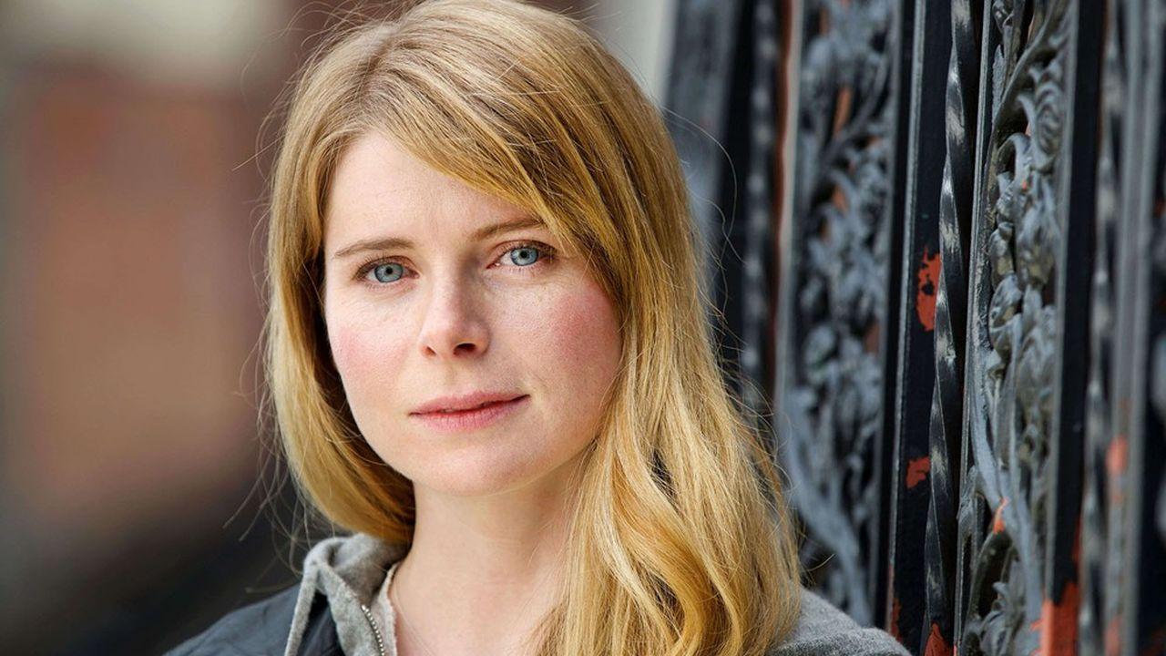 A 32 ans à peine, Emma Cline démontre un talent d'écrivaine éclatant.