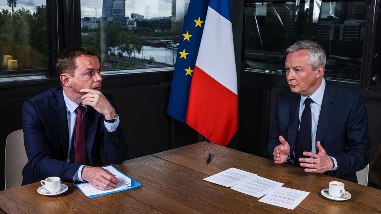 Olivier Dussopt, ministre délégué en charge des Comptes publics et Bruno Le Maire, ministre de l'Economie, des Finances et de la Relance.