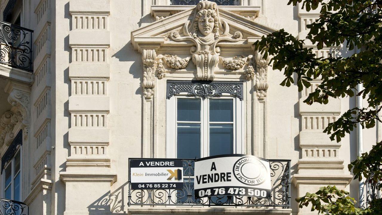 Un appartement à vendre à Grenoble. Le nombre de transactions immobilières sur le marché de l'ancien a été particulièrement élevé en province ces derniers mois.