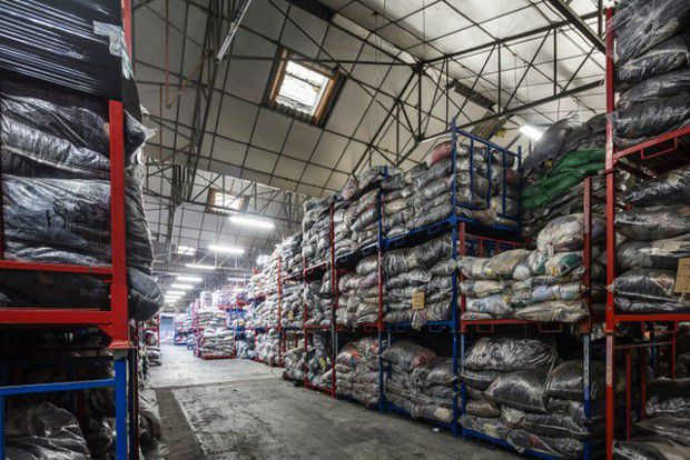 L'entrepôt d'Eureka Fripe, à Amfreville-la-Mi-Voie, à deux pas de Rouen.