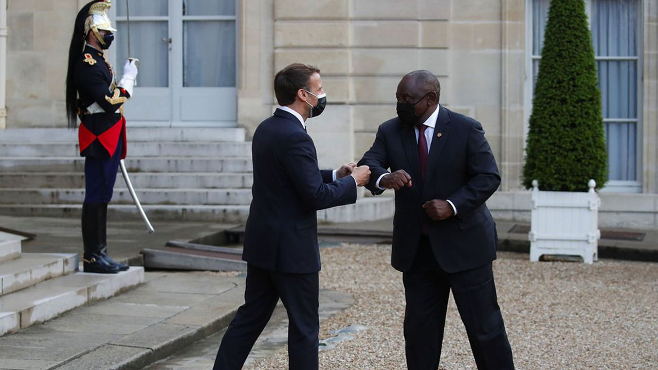 Le président français a reçu son homologue sud-africain Cyril Ramaphosa à l'Elysée pour un dîner en présence d'autres dirigeants africains, le 17mai dernier.