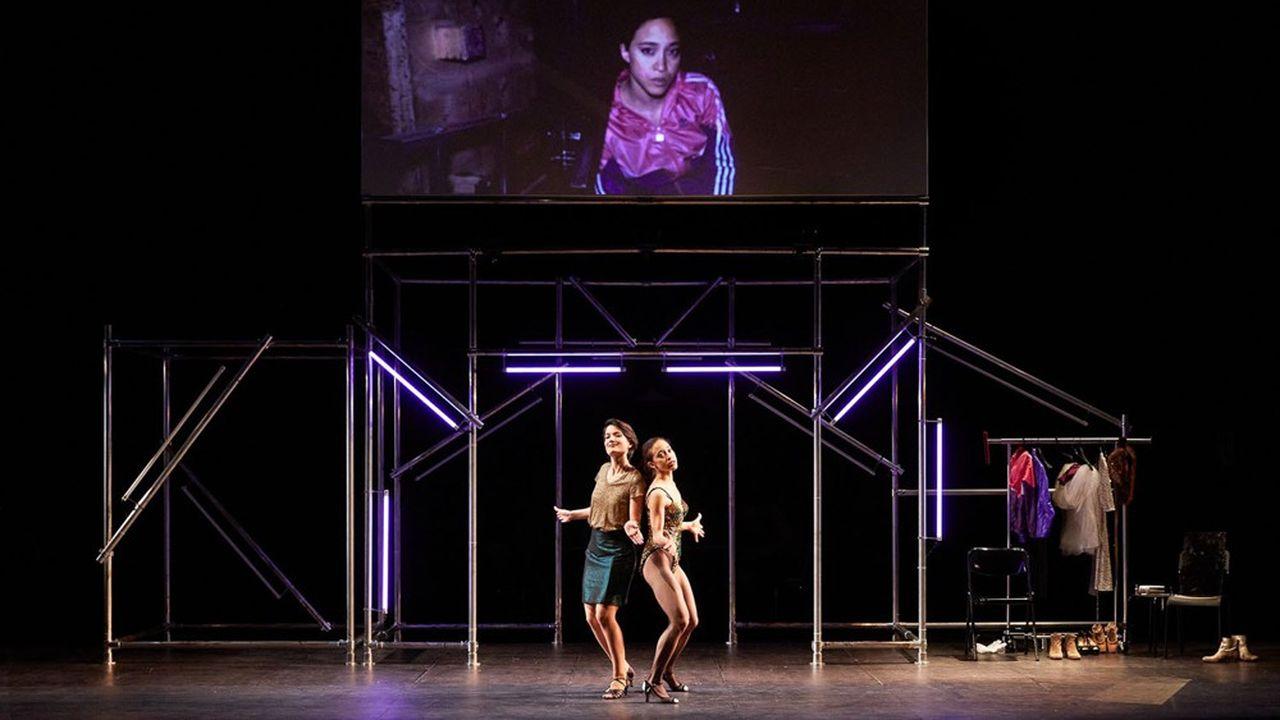Les deux soeurs (Natalie Pérez et Noémie Ettlin) assaillies par le péché…