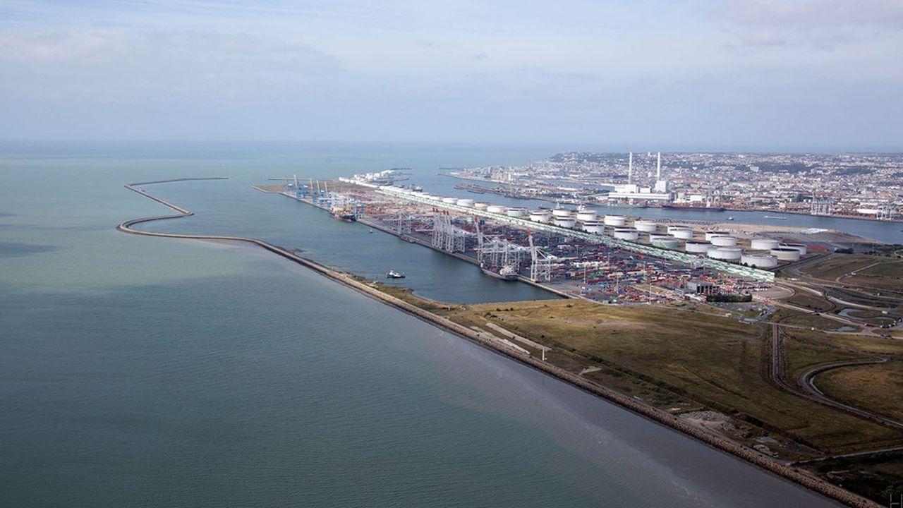 Haropa-LeHavre a traité 3millions de conteneurs EVP (l'unité de compte internationale) en 2020, quand Rotterdam, premier port européen, en a traité 14millions, Anvers 12millions et Hambourg 9,3millions.