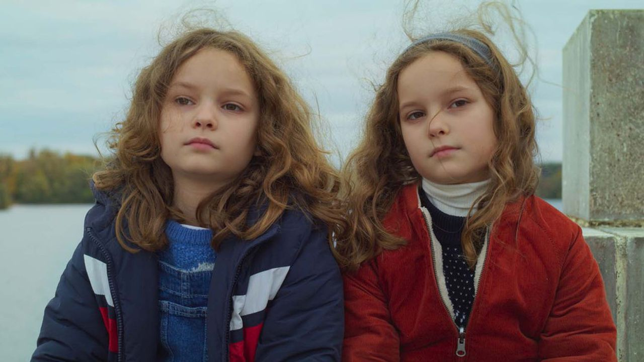 Gabrielle Sanz (Marion) et Joséphine Sanz (Nelly) dans le film «Petite Maman».
