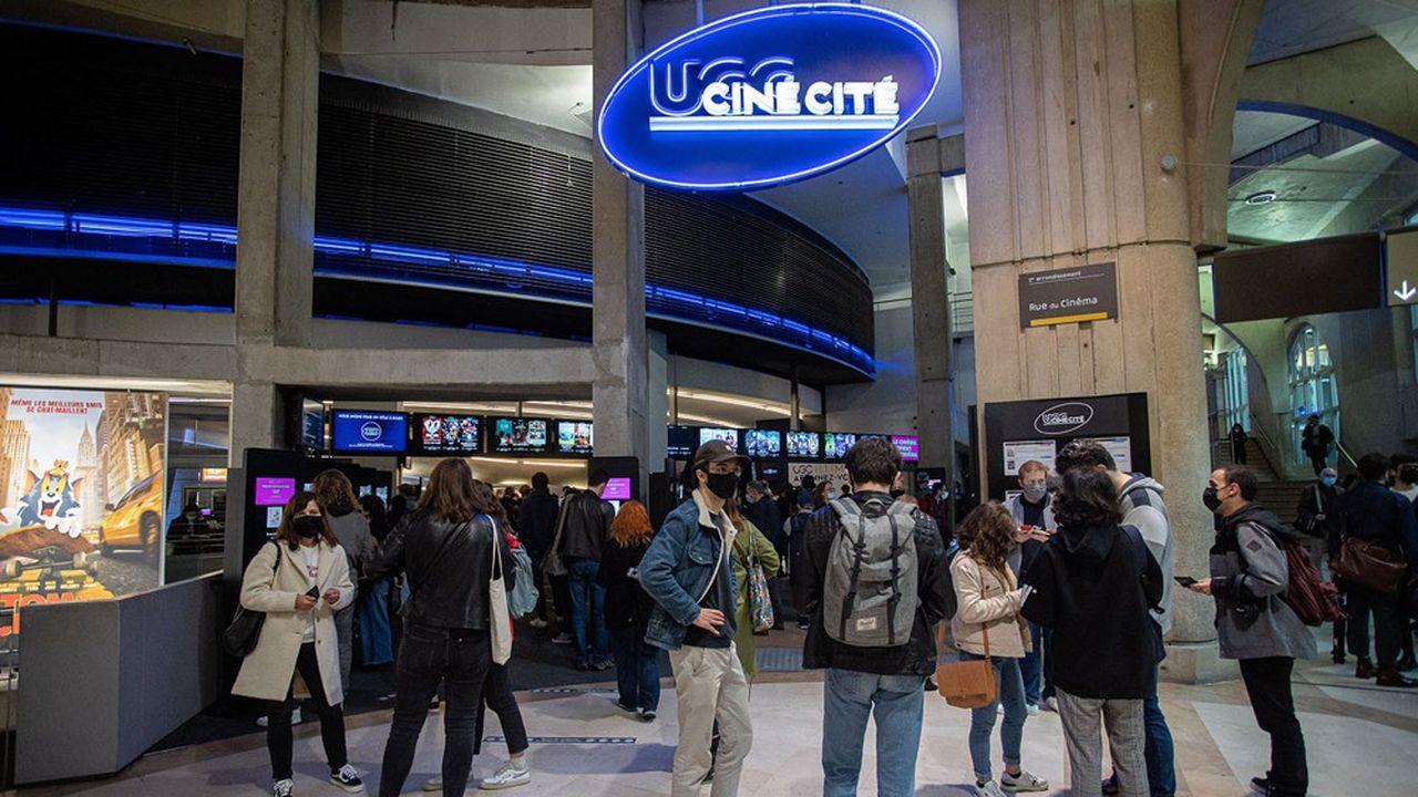 310.000 spectateurs se sont pressés le jour de la réouverture des cinémas, le 19mai, autant que la moyenne sur plusieurs années, en dépit des jauges de spectateurs.
