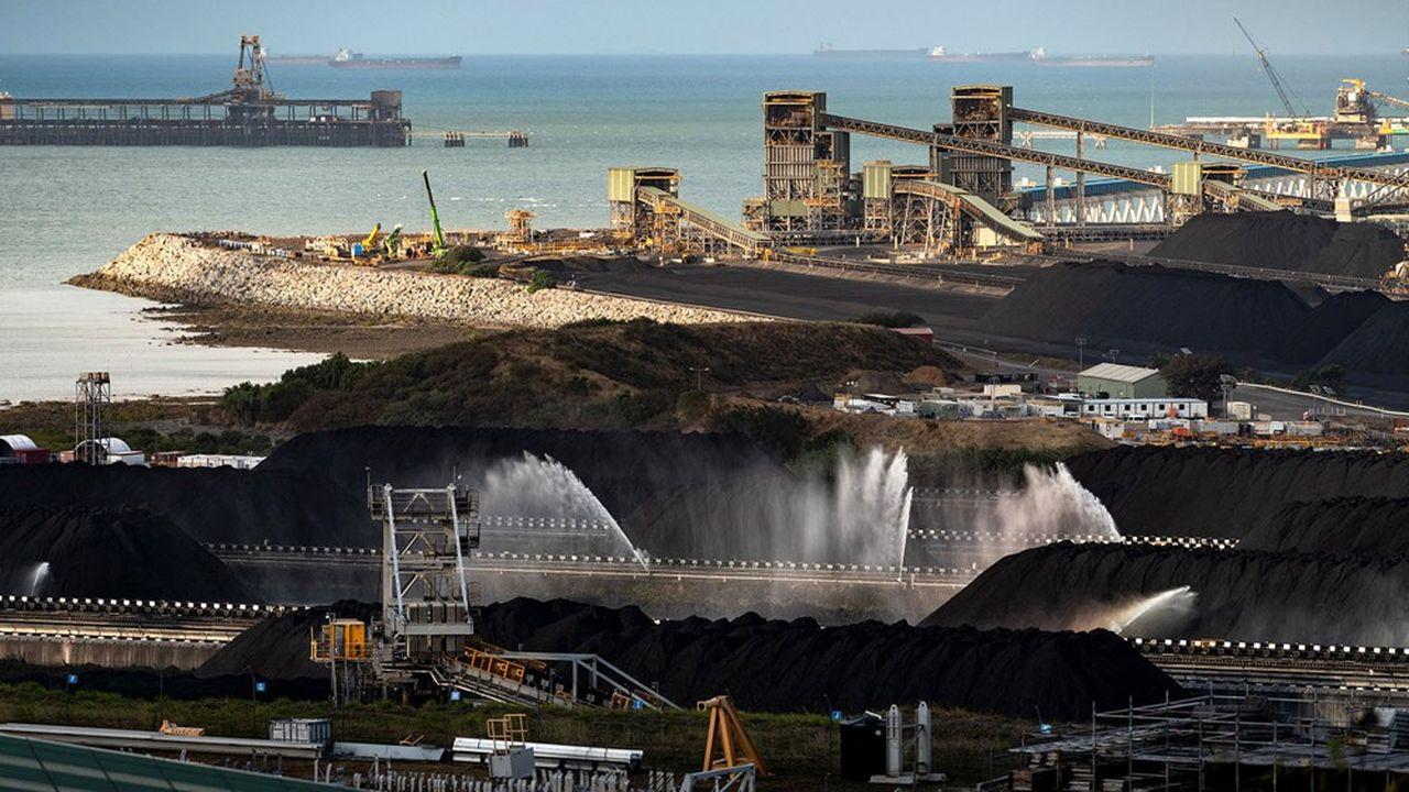En Australie, dans le Queensland, Hay Point est connu pour abriter une des plus grandes installations de chargement de charbon au monde.