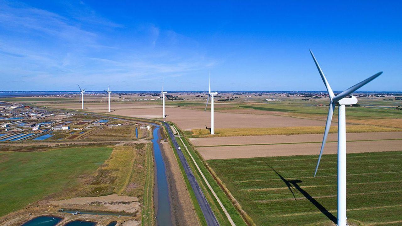 La France compte actuellement 8.400 éoliennes sur son territoire, et veut en implanter autant d'ici 2028.