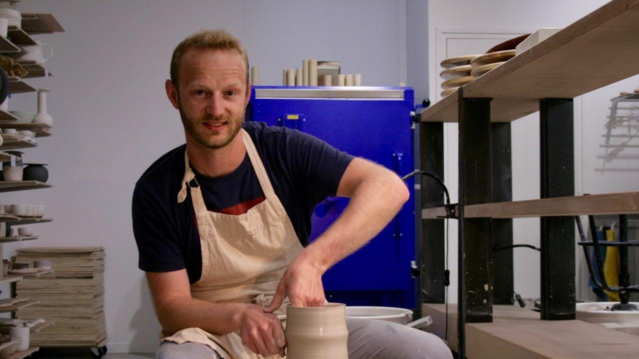 Après avoir découvert la céramique en 2018, Pierre-Antoine Laeuffer a ouvert son atelier en octobre2020.