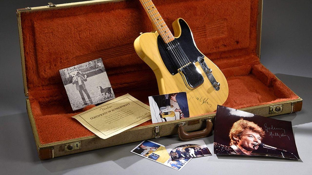 Cette Fender Telecaster modèle 52 dédicacée par Johnny Hallyday est estimée entre 4.000 et 5.000 euros.