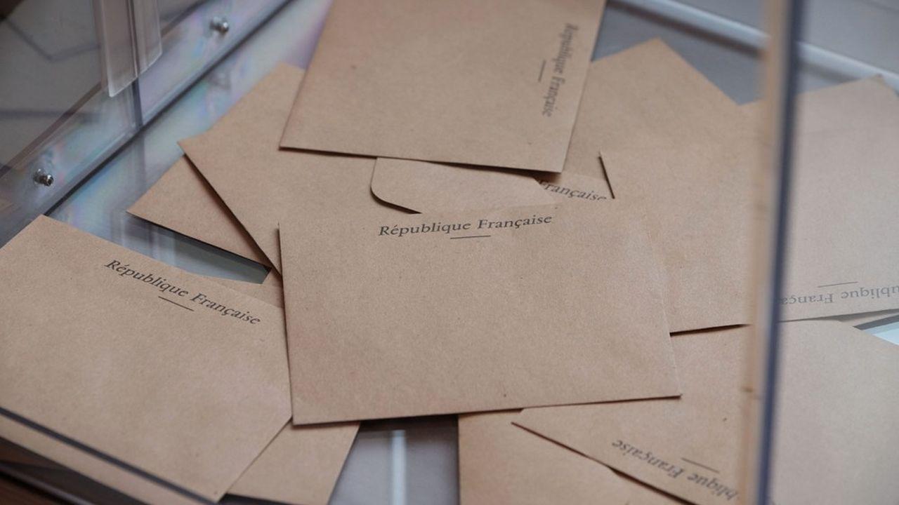 Le nombre de candidats aux élections régionales est en baisse de 11% par rapport à 2015.