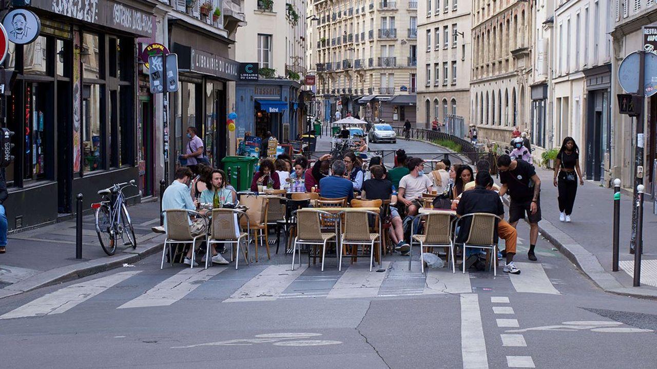 La mairie de Paris présente,ce lundi, sa réforme du règlement des étalages et des terrasses.