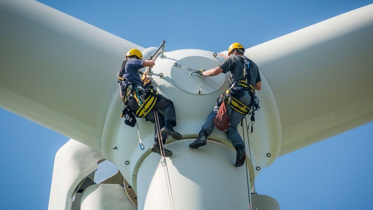 Avec une hypothèse de durée de vie des éoliennes de dix-huit ans, un rapport interministériel estime que les flux à recycler passeraient de 15.000 tonnes en 2019 à 221.000 tonnes en 2023 et 939.000 tonnes en 2028.