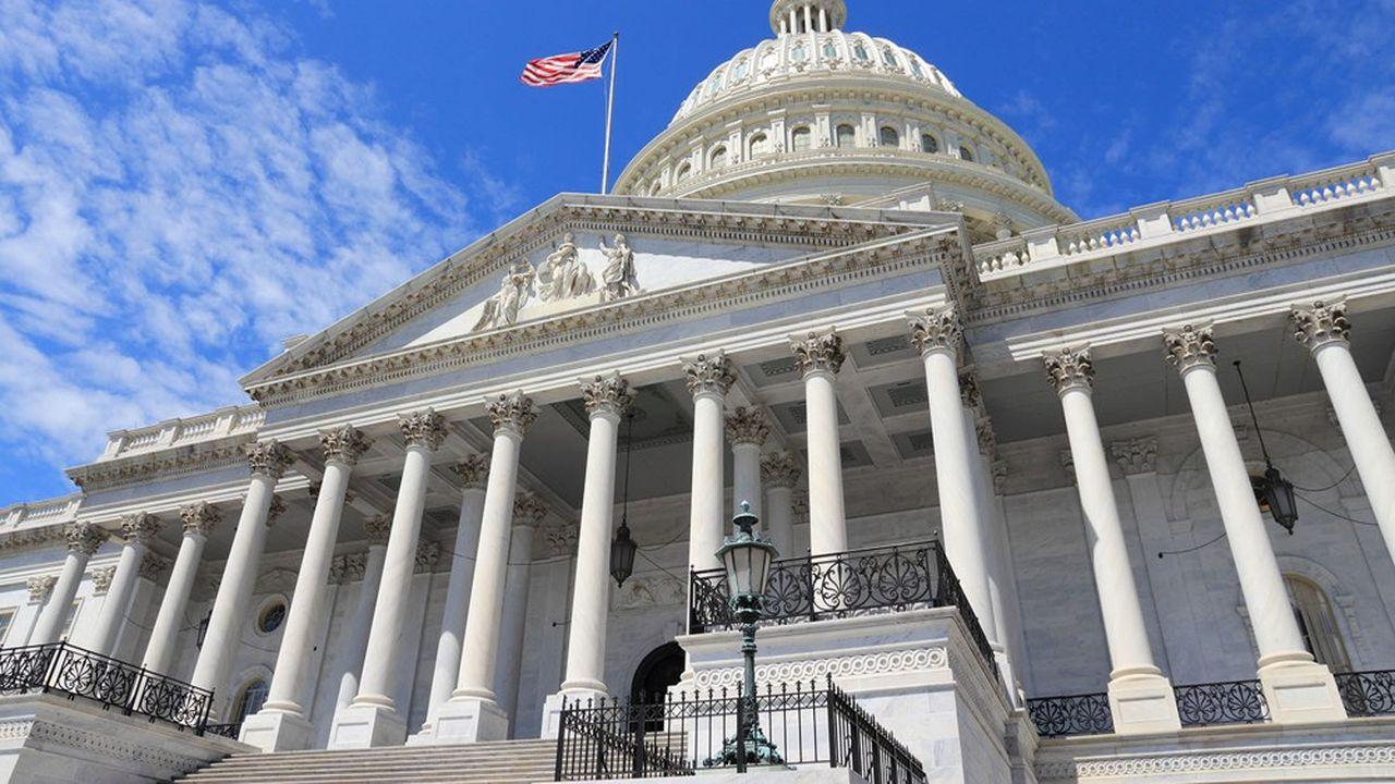 Le projet de loi doit encore être adopté par la Chambre des représentants avant d'être envoyé à la Maison-Blanche pour promulgation par Joe Biden.