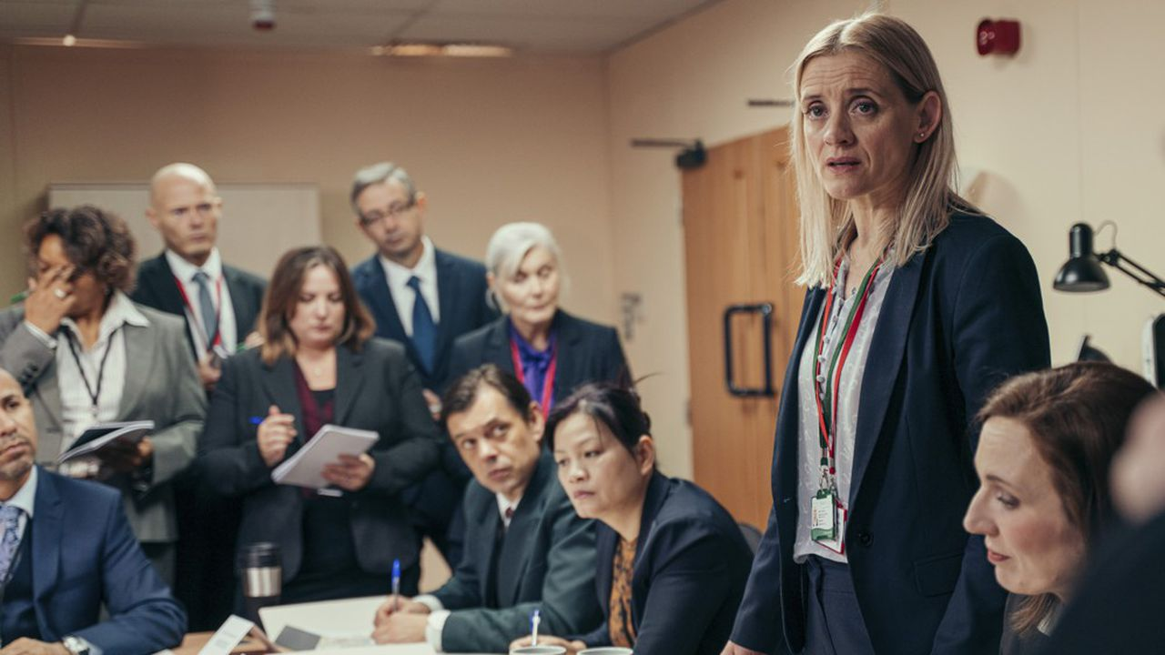 Anne-Marie Duff joue la directrice de la santé publique en charge de la gestion de la crise qui a frappé la petite ville de Salisbury le 4mars 2018.