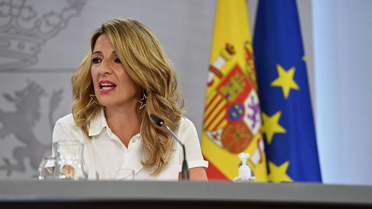 La ministre du Travail, Yolanda Díaz, étudie une nouvelle augmentation du salaire minimum.