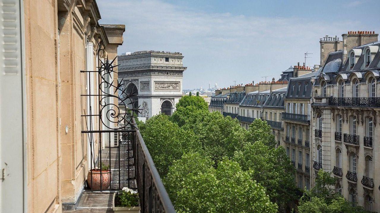 Cet appartement de 130m2 avenue Victor-Hugo, à Paris (16earrondissement), a été vendu1.100.000euros sans rente (100% en bouquet) par une femme de 85 ans. Sa valeur vénale est estimée 1.500.000euros.