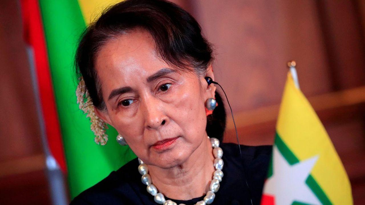 La Birmanie dans l'impasse après l'inculpation pour corruption d'Aung San Suu Kyi
