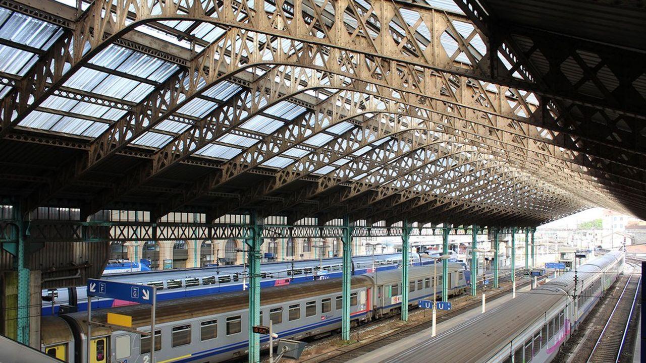 L'un des trois tracés étudiés pour le futur téléphérique part de Francheville pour s'achever à la gare de Perrache.