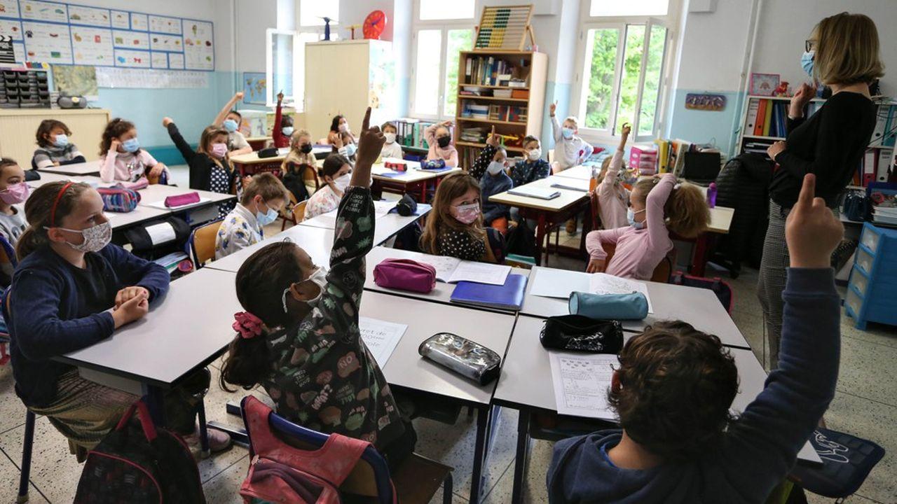 La Suisse romande va introduire une réforme dans les écoles, afin de simplifier l'apprentissage du français.