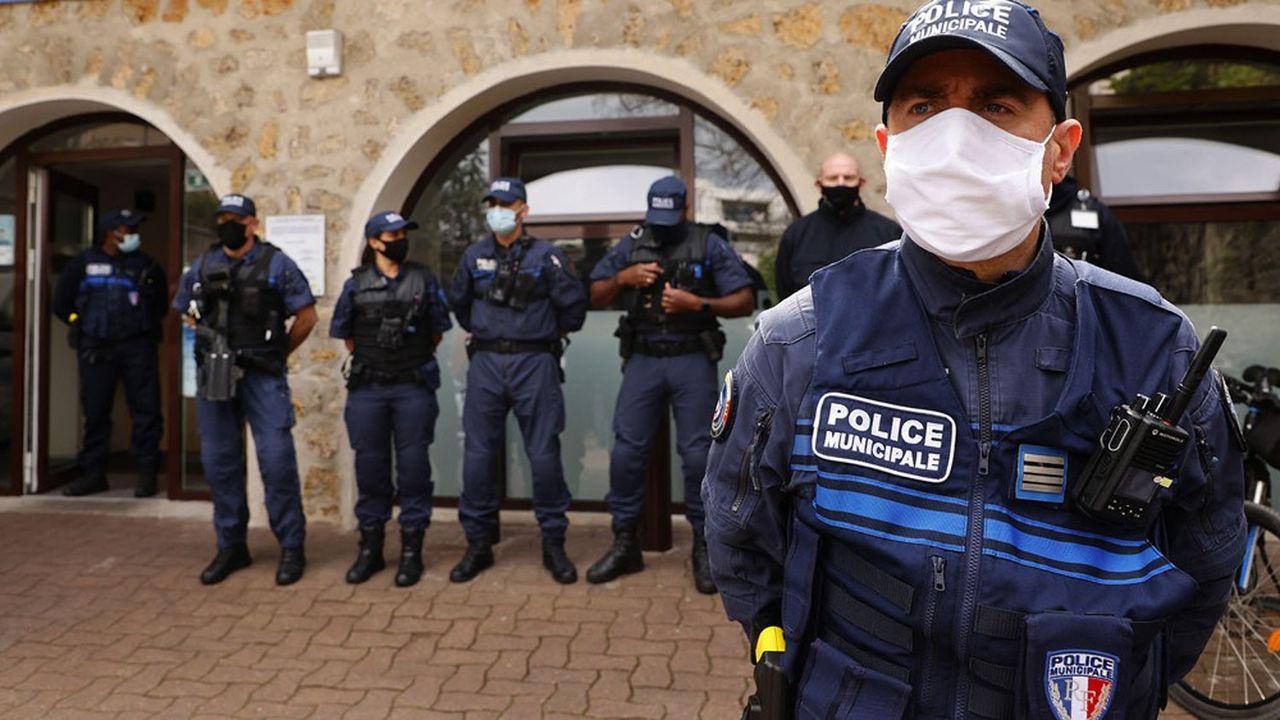 Les maires de Viry-Châtillon et de Juvisy ont signé une convention début juin pour renforcer la collaboration de leurs polices municipales