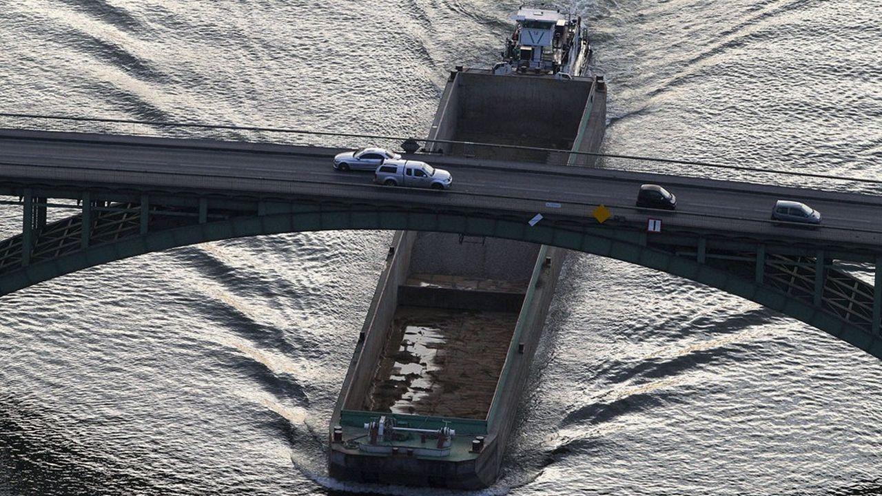 Dans le Val-d'Oise, les élus du département ont décidé en février dernier de rénover le pont qui relie Gennevilliers à Argenteuil, sur la RD909.