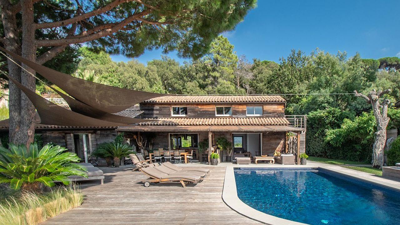 Cette villa d'architecte est proposée à moins de 3 millions d'euros.