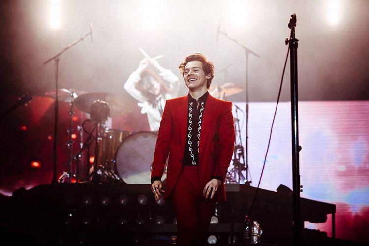 Harry Styles en Givenchy, lors de sa tournée mondiale 2018 , ici en Allemagne le 14 mars.
