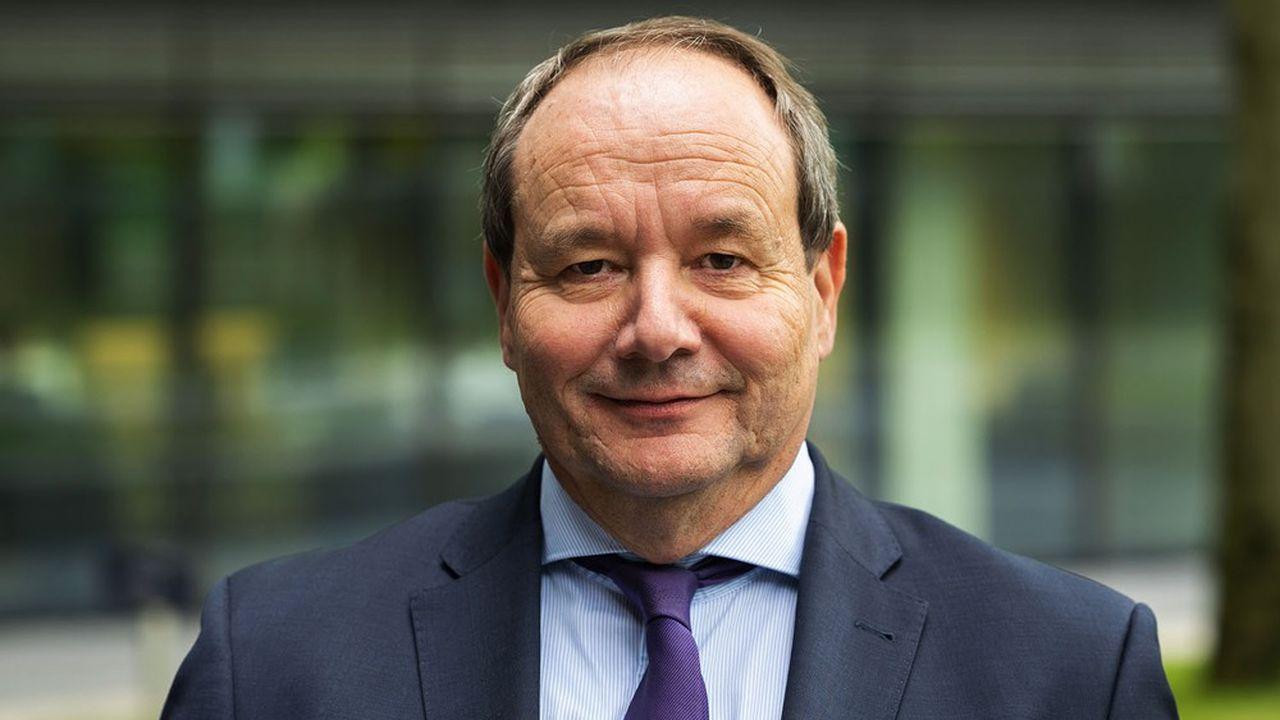 Le secrétaire d'Etat aux Finances des Pays-Bas, Hans Vijlbrief, conduit les réformes rapprochant son pays des normes fiscales prônées par l'OCDE. Il soutient les propositions des ministres des Finances du G7.
