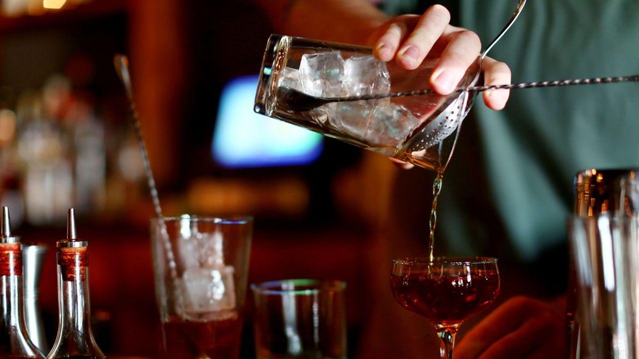 La consommation d'alcool a été moins pénalisée que prévu par la fermeture des bars et des boîtes de nuit en 2020.