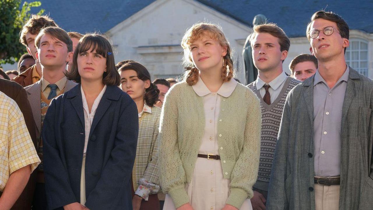 Simone (Anouk Villemin) et Michèle (Léonie Souchaud) vont devoir s'imposer dans un lycée de garçons dans la série «Mixte», sur Prime Video.